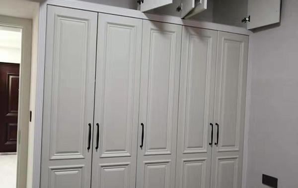 木饰面衣柜
